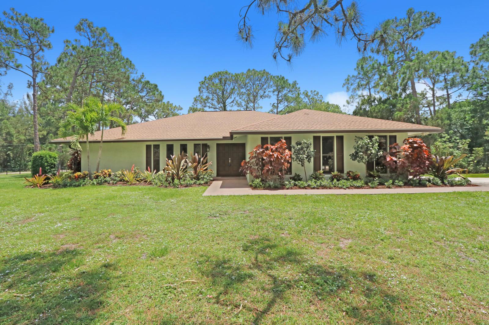 Briana Watkis | United Realty Group | FL Real Estate Florida