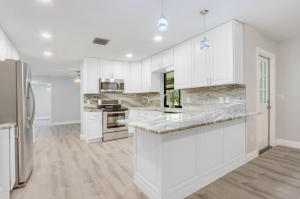 Beautifully upgraded kitchen with Stainless Steel Appliances