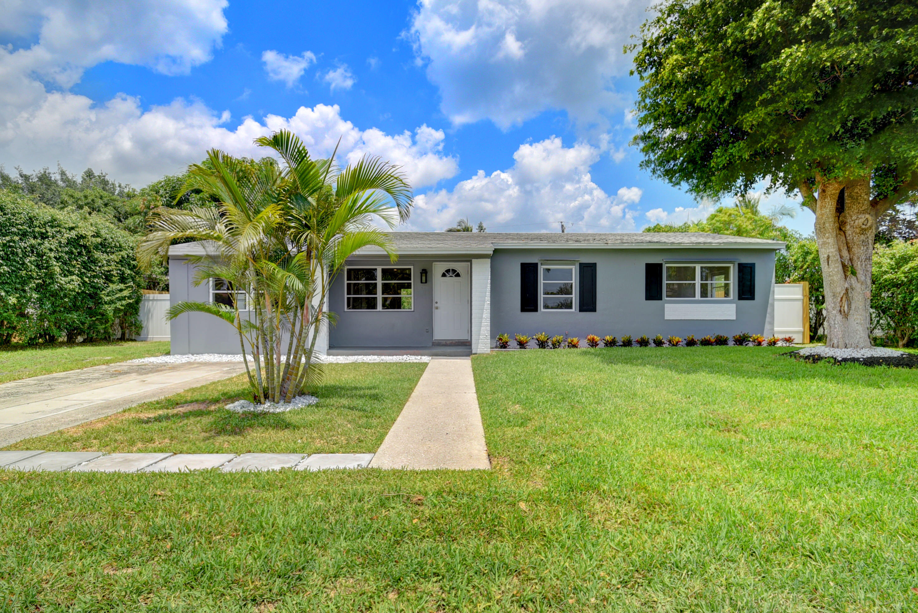 Delray Beach- Florida 33444, 4 Bedrooms Bedrooms, ,2 BathroomsBathrooms,Residential,For Sale,21st,RX-10530317