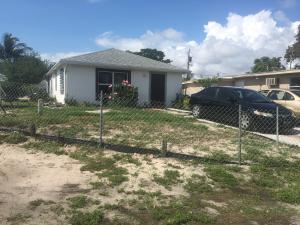 1010 Peak Road, Lake Worth, FL 33462
