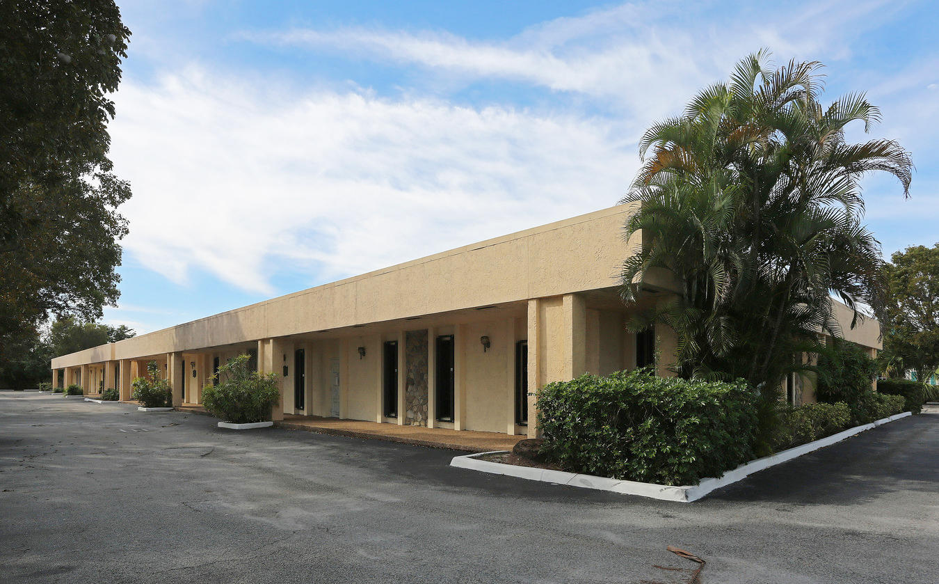 Professional office/medical space available at Poinciana Professional Center. Great location less than two miles from I-95 and a short drive to the Palm Beach International Airport and Turnpike. Easy access to local hospitals including JFK, Good Samaritan and Wellington.Condo details: Four units (105-106 & 111-112) combined to create one single, spacious office suite consisting of twelve offices and two restrooms. Can be modified for medical use.