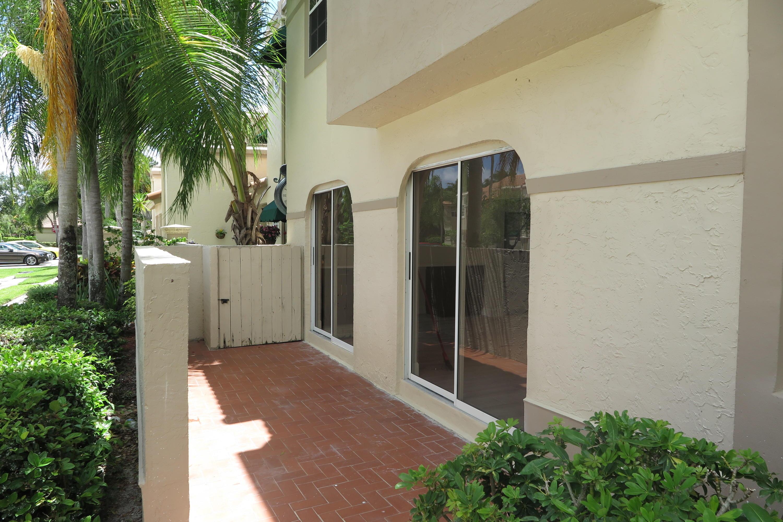 6721 Via Regina Boca Raton, FL 33433