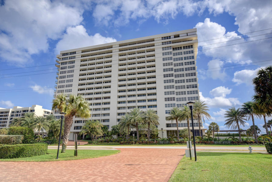 2000 Ocean Boulevard, Boca Raton, Florida 33432, 3 Bedrooms Bedrooms, ,2.1 BathroomsBathrooms,Condo/Coop,For Sale,Whitehall,Ocean,14,RX-10530823