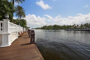 2989 Spanish River Road Boca Raton FL 33432