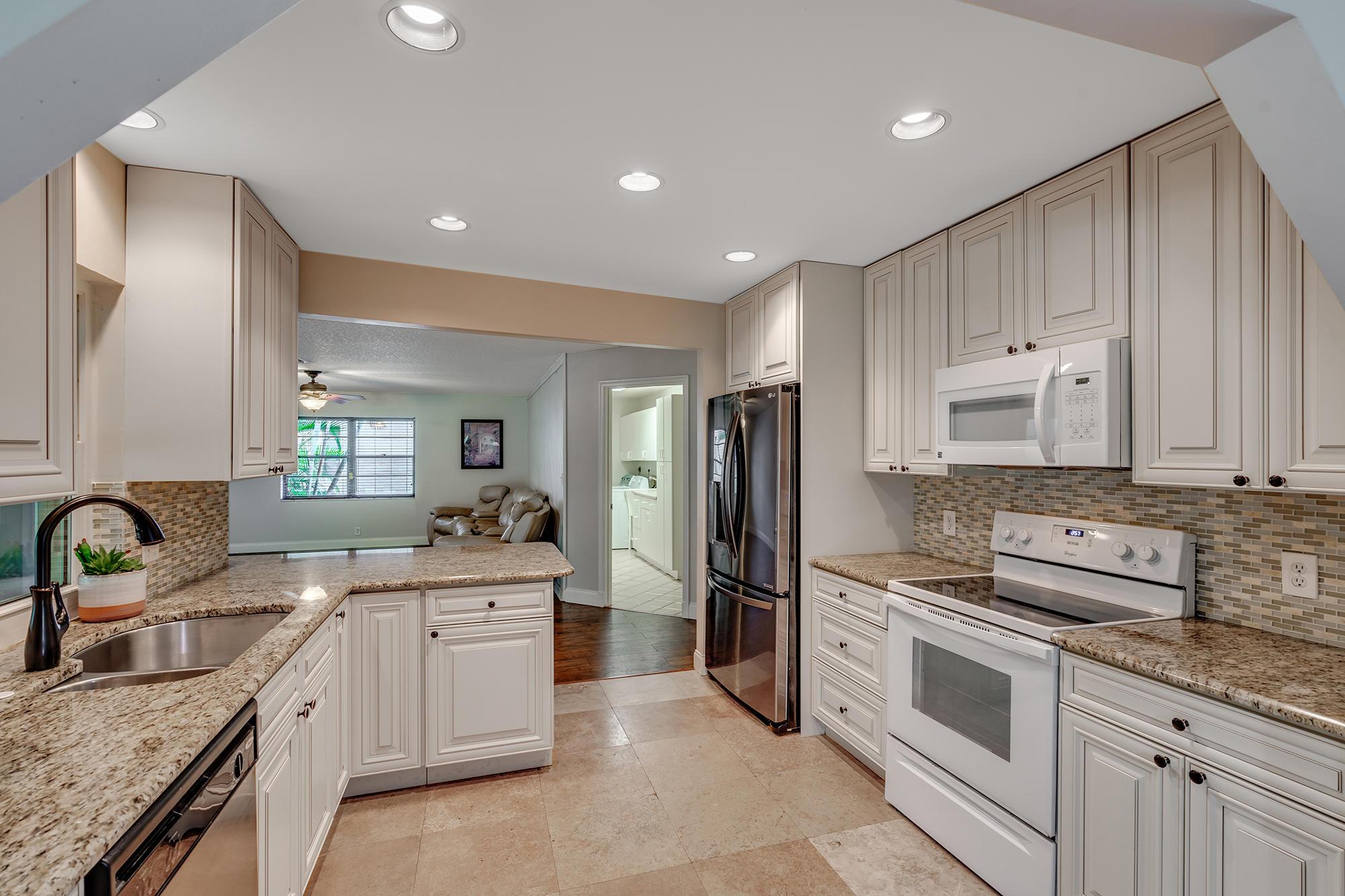 Wellington- Florida 33414, 3 Bedrooms Bedrooms, ,2 BathroomsBathrooms,Residential,For Sale,Flora,RX-10531122