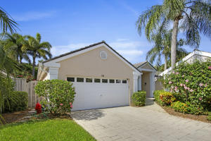18 Admirals Court, Palm Beach Gardens, FL 33418