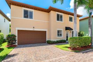 585 NW Dickens Court, Boca Raton, FL 33432