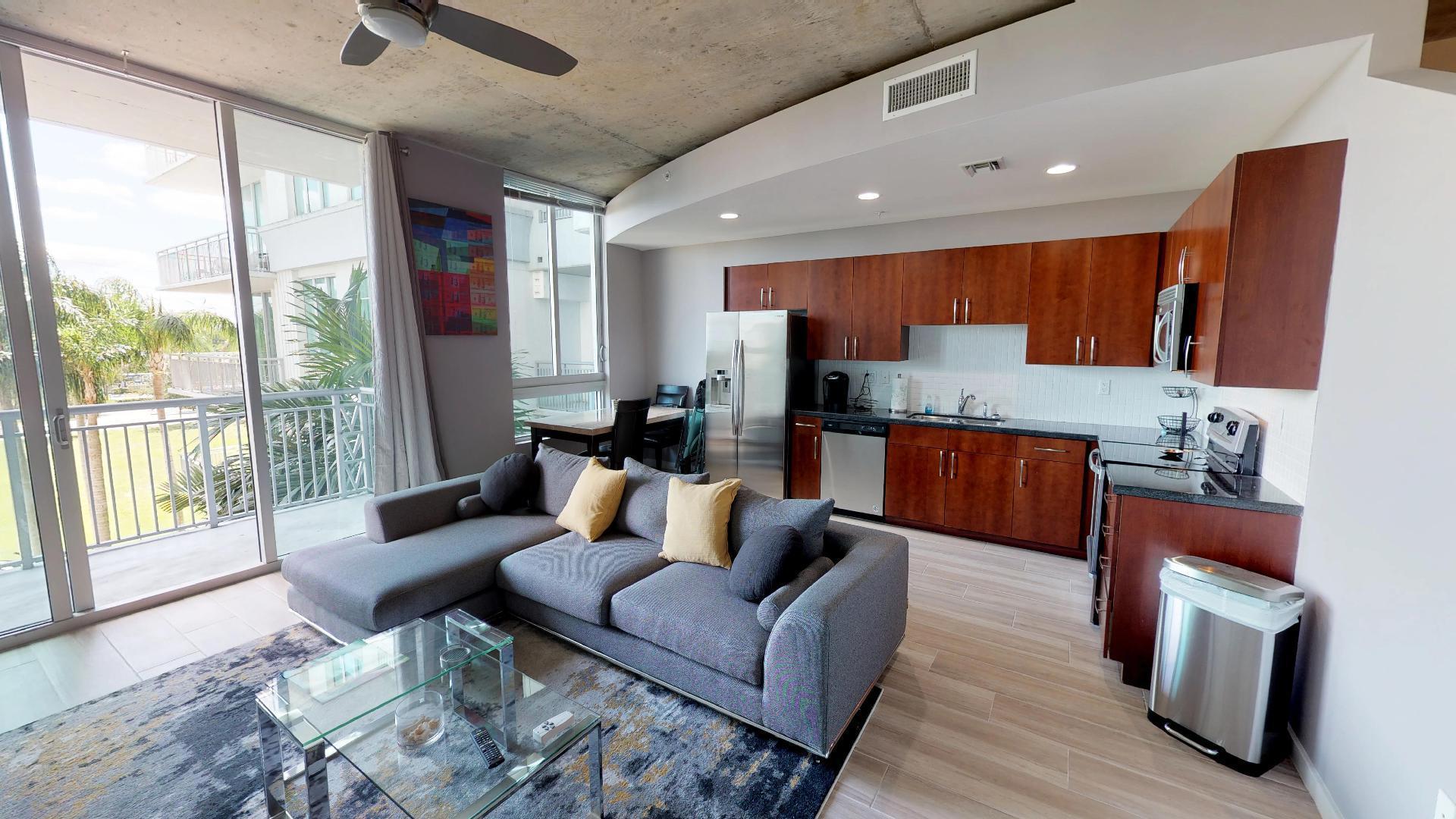 300 S Australian Avenue 302