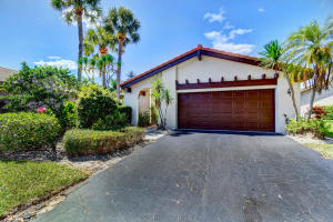 Property for sale at 5645 Lakeview Mews Drive, Boynton Beach,  Florida 33437