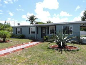 2025 Golfview Court, Fort Pierce, FL 34950