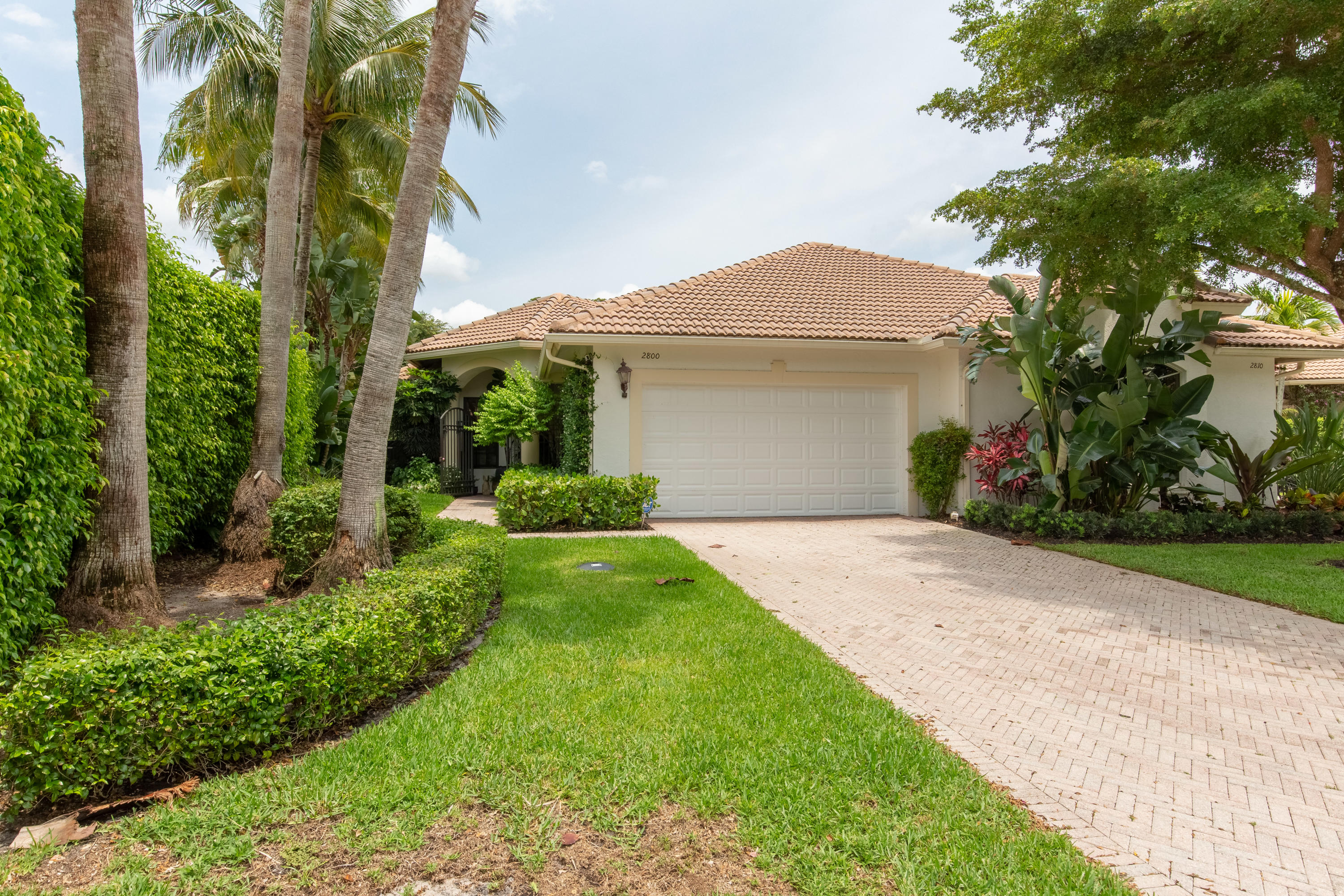 2800 Twin Oaks Way, Wellington, Florida 33414, 3 Bedrooms Bedrooms, ,3 BathroomsBathrooms,Condo/Coop,For Sale,Twin Oaks,1,RX-10532584