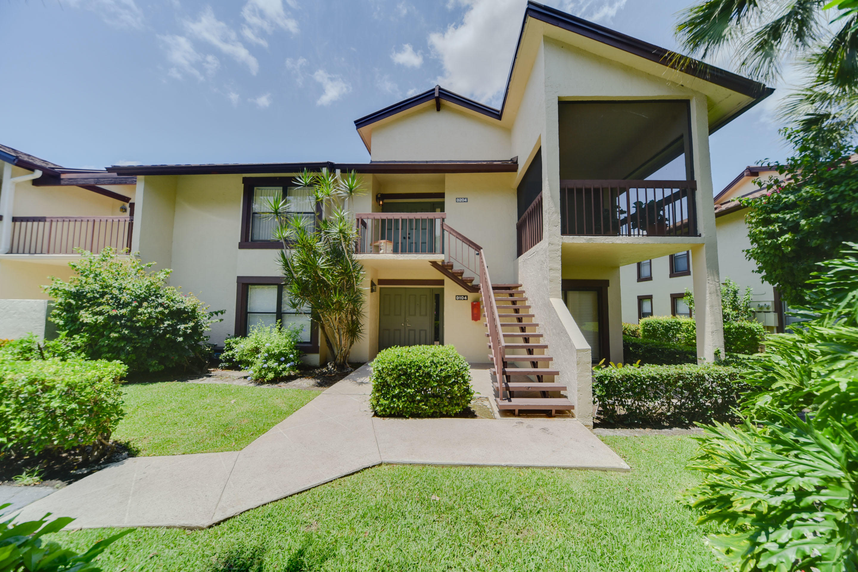 11355 Pond View Drive, Wellington, Florida 33414, 3 Bedrooms Bedrooms, ,3 BathroomsBathrooms,Condo/Coop,For Rent,Pond View,1,RX-10548778