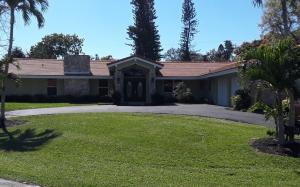 437 N Country Club Dr N, Atlantis, FL 33462