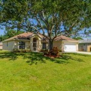 5634 NW Bluff Court, Port Saint Lucie, FL 34986