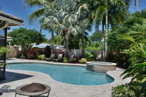 2436 Holly Lane, Palm Beach Gardens, FL 33410