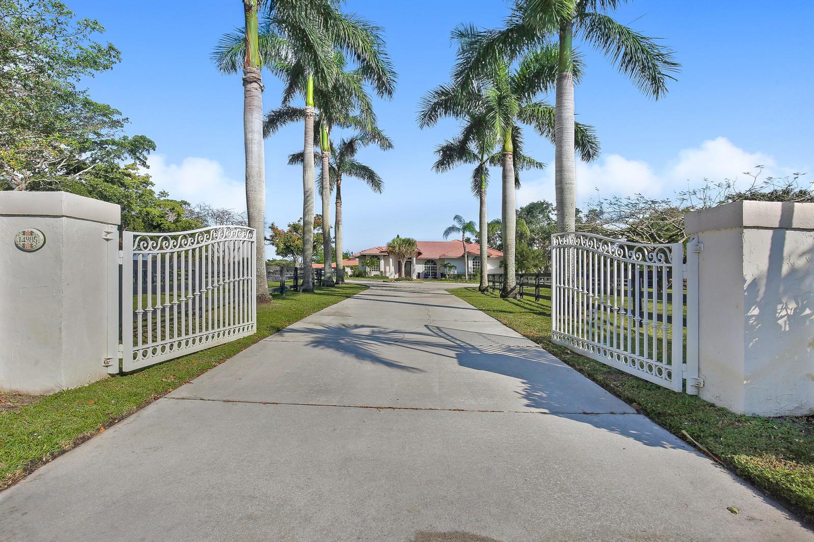 Wellington, Florida 33414, 4 Bedrooms Bedrooms, ,3 BathroomsBathrooms,Residential,For Sale,Oatland,RX-10533088