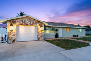 9910 Dogwood Avenue, Palm Beach Gardens, FL 33410