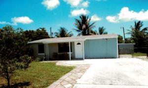 1660 W Breezy Lane, West Palm Beach, FL 33417