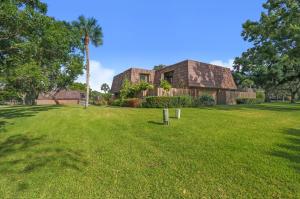 1210 12th Court, Palm Beach Gardens, FL 33410