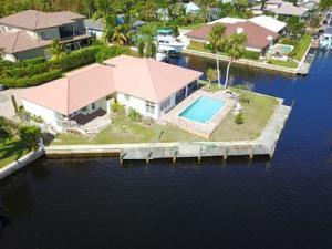 10735 SE Barnacle Court, Hobe Sound, FL 33455