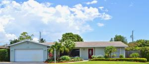 715 SW 27th Way, Boynton Beach, FL 33435