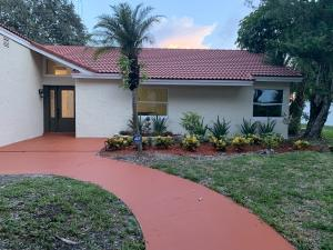 8944 Escondido Way Boca Raton FL 33433