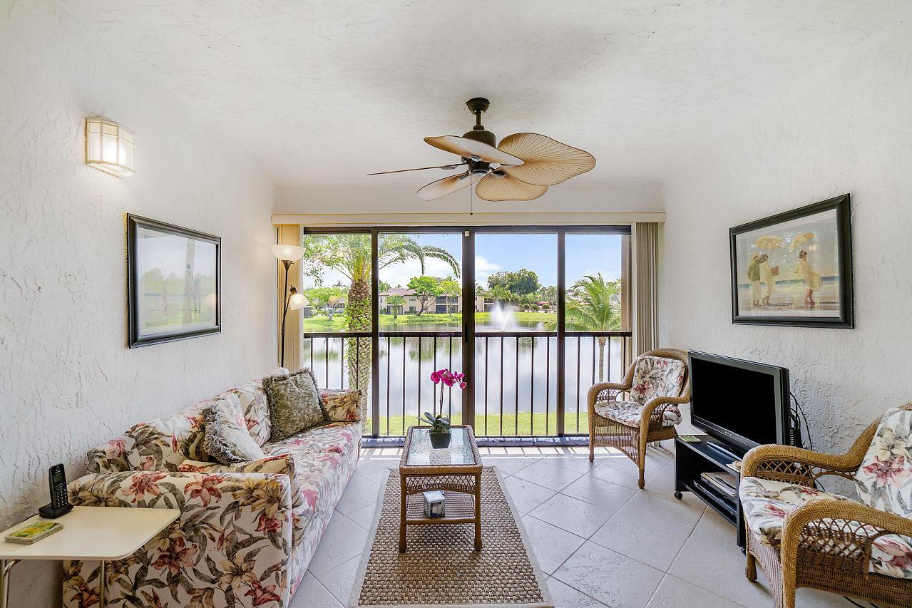 9289 Vista Del Lago Boca Raton, FL 33428