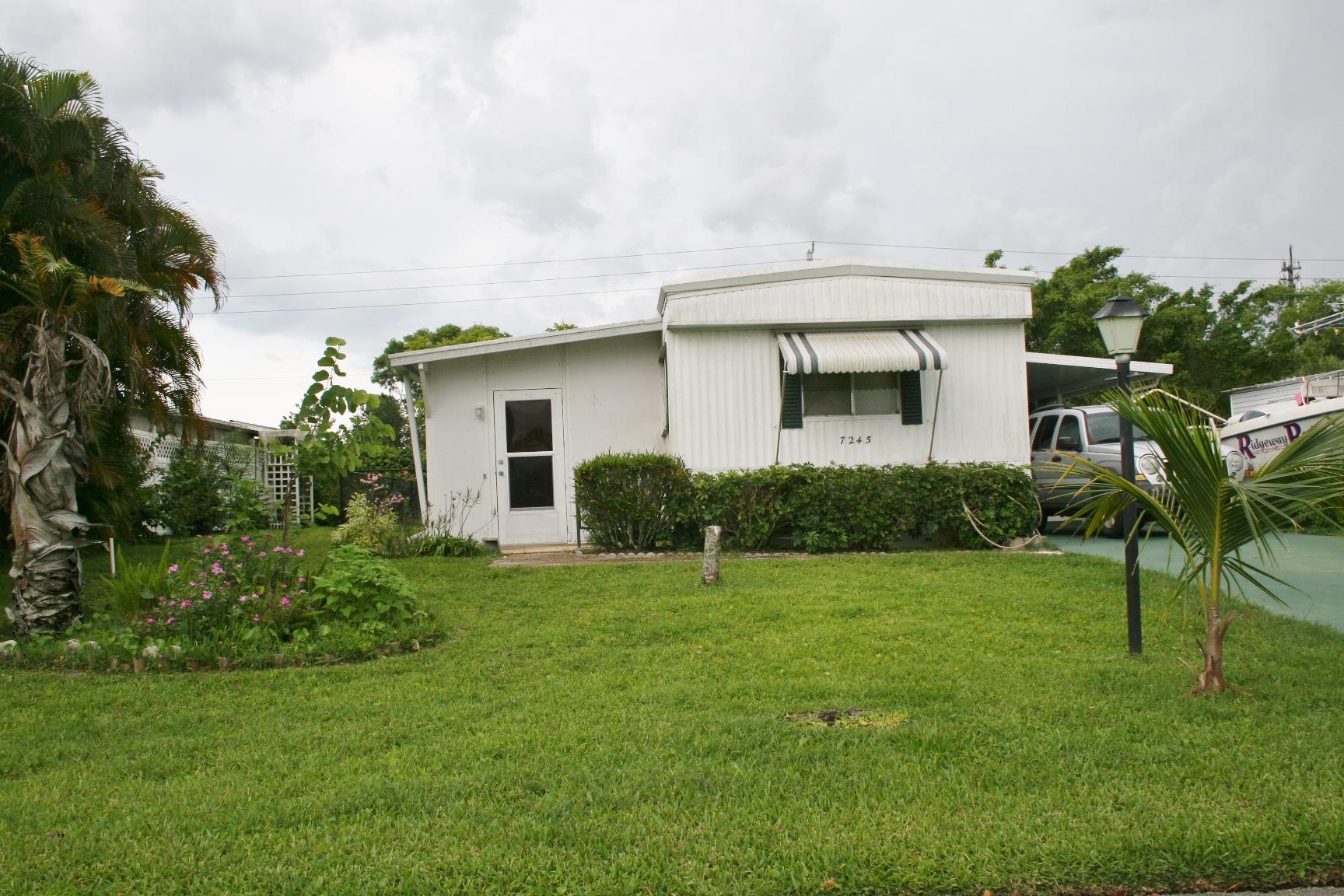 7245 Se Redbird Circle Hobe Sound FL 33455