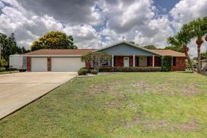 2103 E Easy Street, Fort Pierce, FL 34982