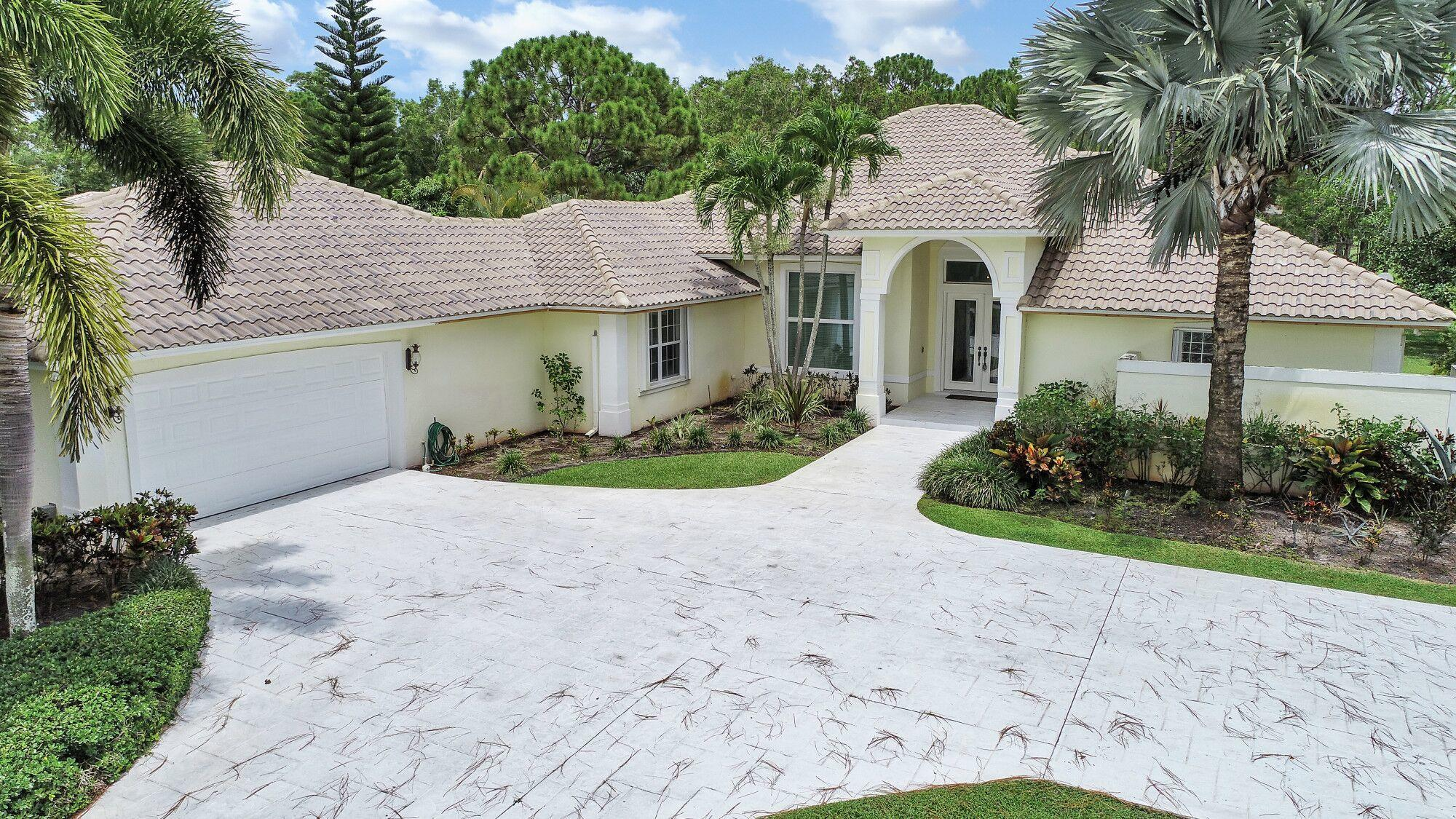 Home for sale in Bay Hill Estates/ Stonwal Estates Palm Beach Gardens Florida