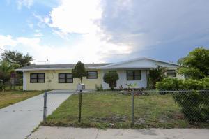 903 SE 9th Street, Stuart, FL 34994