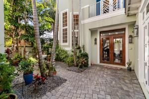 880 Berkeley Street Boca Raton FL 33487