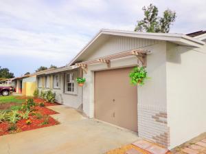 1560 NE 24th Terrace, Jensen Beach, FL 34957