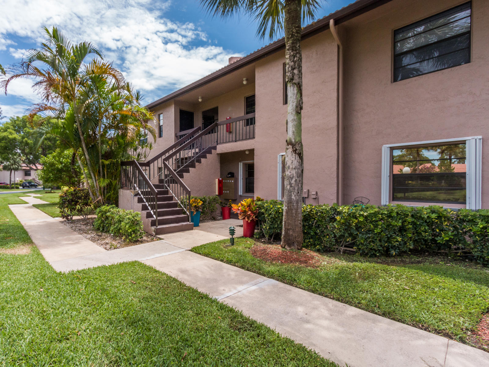 9232 Pecky Cypress Lane #2-f Boca Raton, FL 33428
