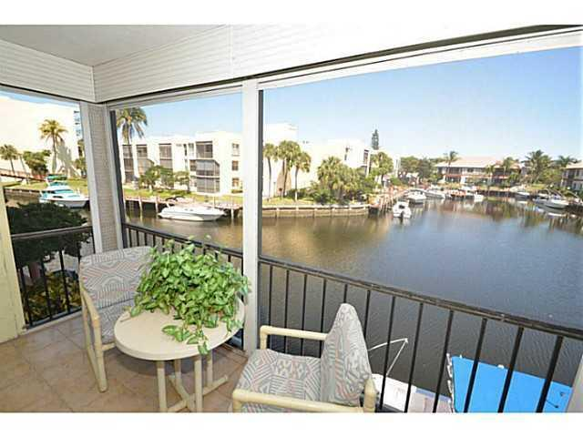 Photo of 6 Royal Palm Wy #209, Boca Raton, FL 33432