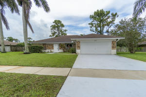 156 Sunflower Circle, Royal Palm Beach, FL 33411