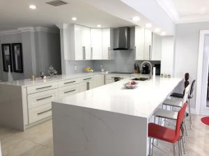 New Wood Kitchen & Quartz