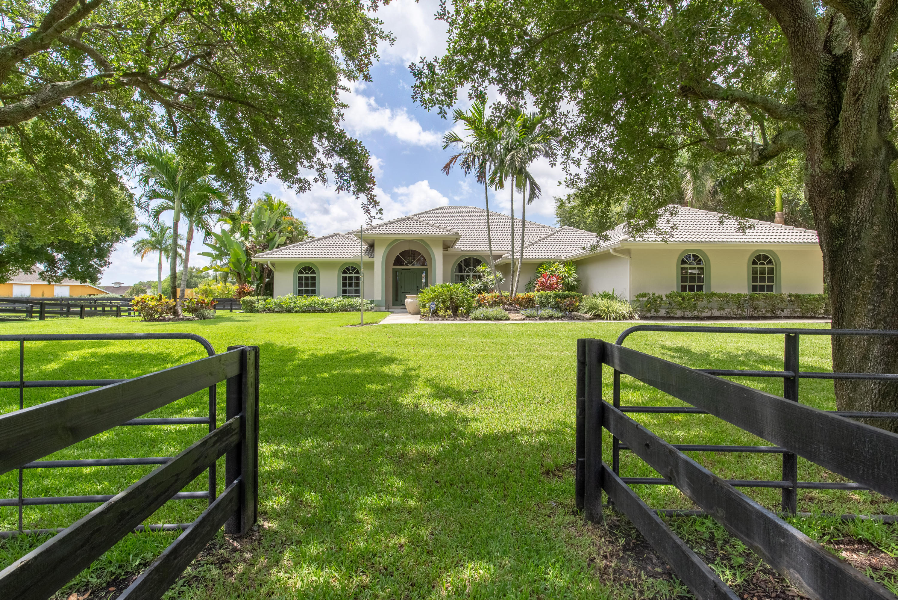 Wellington, Florida 33414, 4 Bedrooms Bedrooms, ,3 BathroomsBathrooms,Residential,For Sale,Appaloosa,RX-10516219