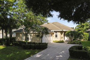 1024 Bedford Avenue, Palm Beach Gardens, FL 33403