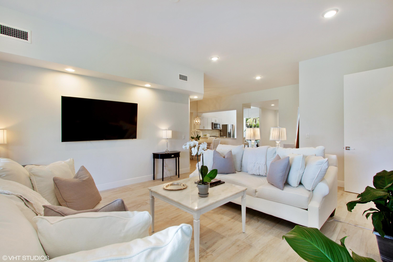 2864 Winding Oak Lane, Wellington, Florida 33414, 3 Bedrooms Bedrooms, ,3 BathroomsBathrooms,Villa,For Sale,Winding Oak,RX-10541845