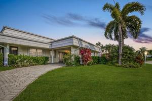 392 Villa Drive S, Atlantis, FL 33462