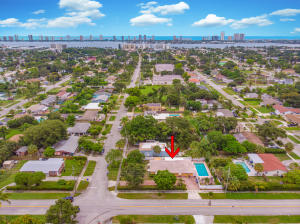 411 5th Street, Lake Park, FL 33403