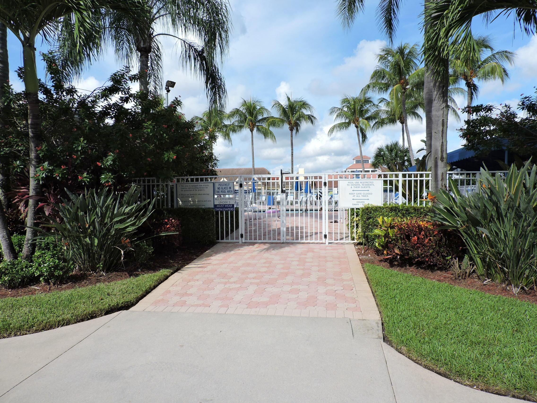 6640 Via Regina #6640 Boca Raton, FL 33433