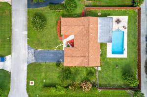 2482 Hope Lane E, Palm Beach Gardens, FL 33410