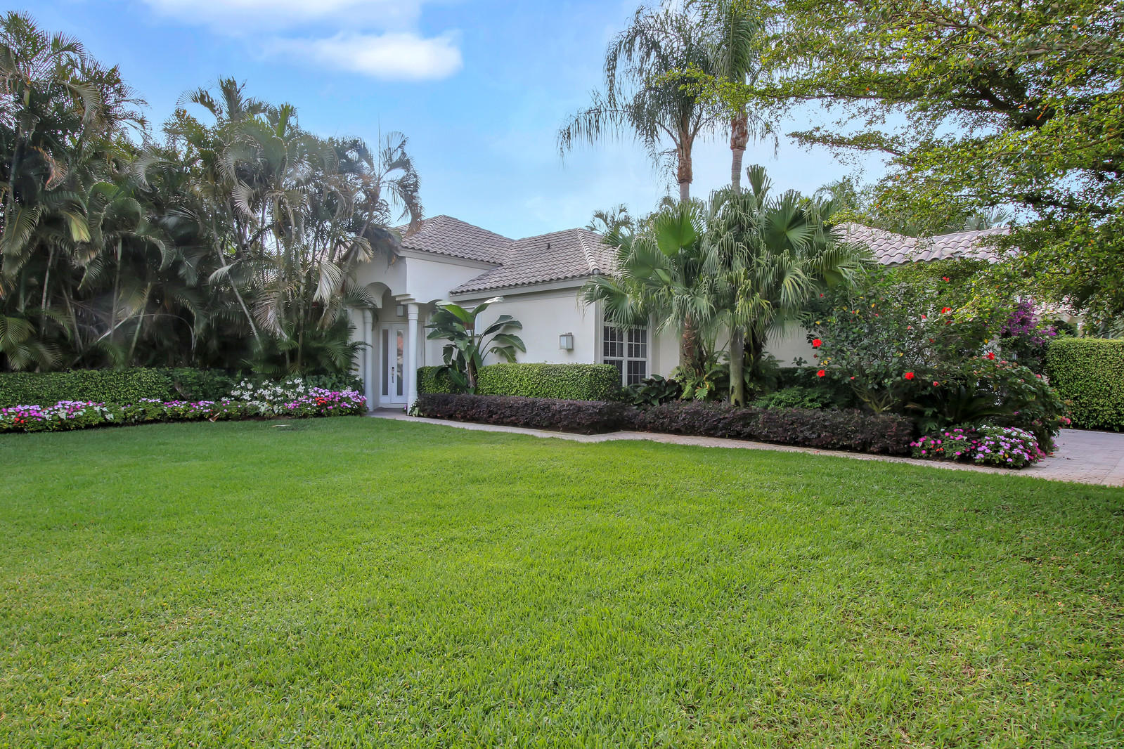 12611 Mallet Circle, Wellington, Florida 33414, 3 Bedrooms Bedrooms, ,3.5 BathroomsBathrooms,Single Family,For Rent,PALM BEACH POLO & CC,Mallet,1,RX-10545050