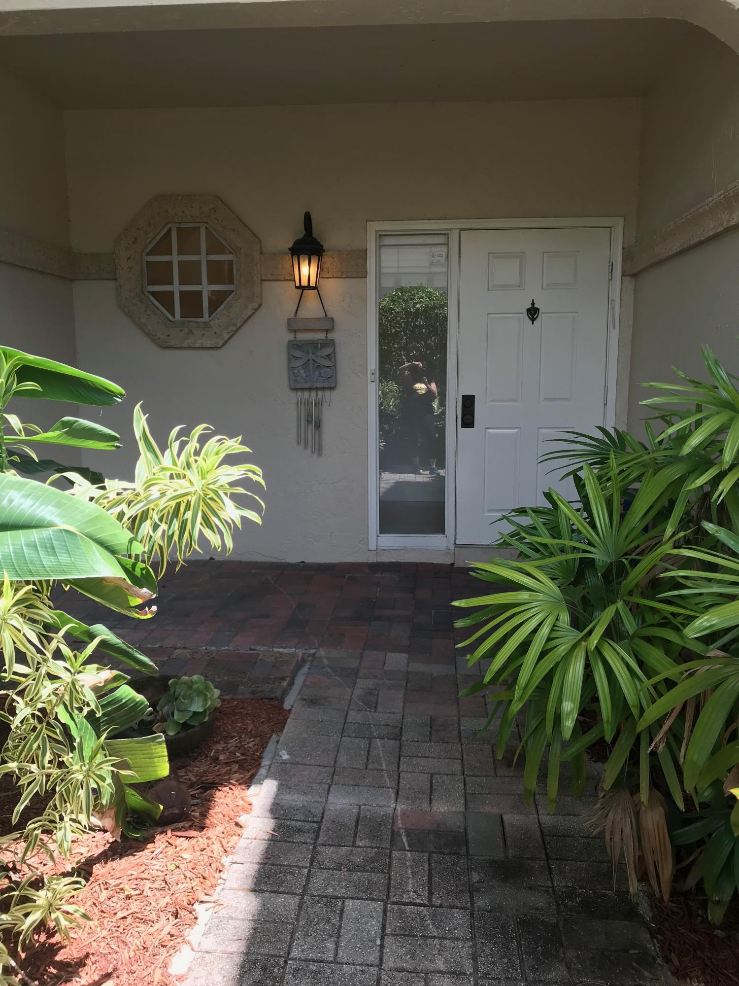 6736 Via Regina Boca Raton, FL 33433