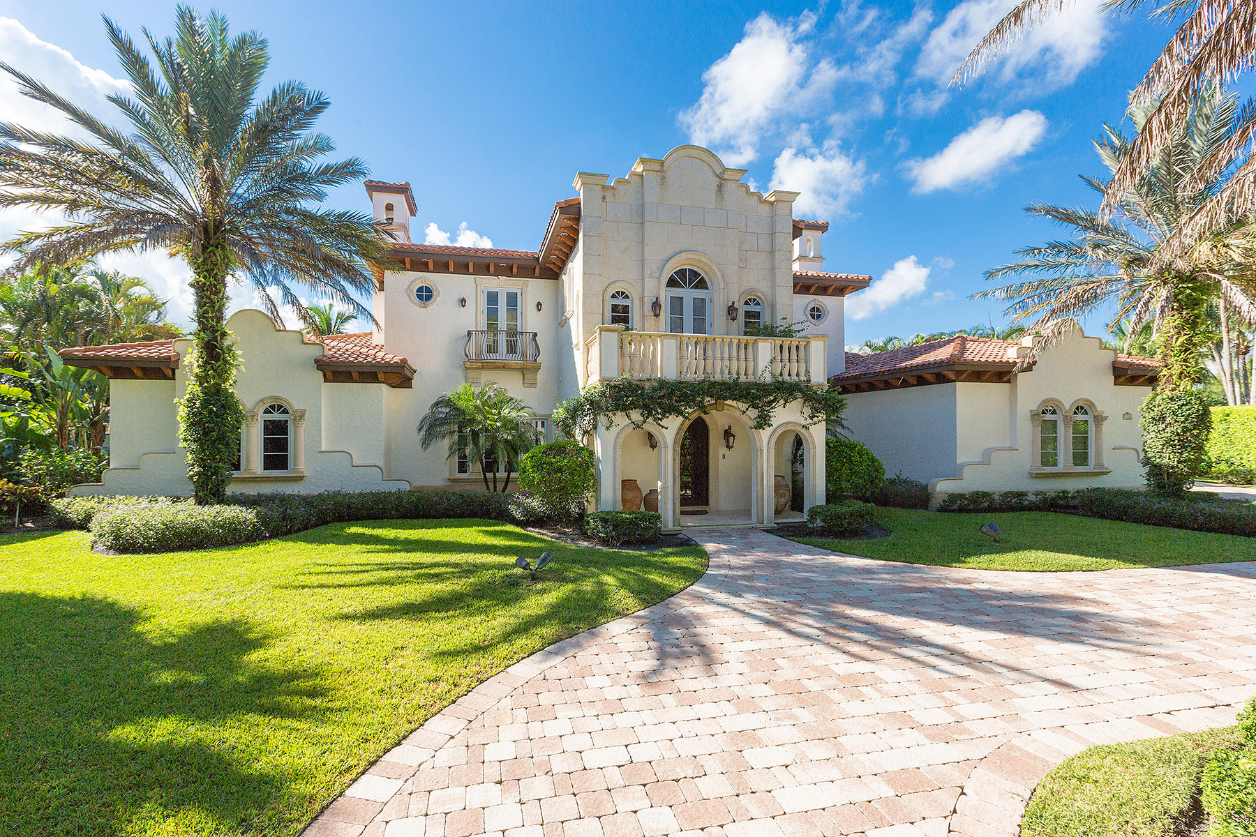 Wellington- Florida 33414, 4 Bedrooms Bedrooms, ,5 BathroomsBathrooms,Residential,For Sale,Sheltingham,RX-10546140