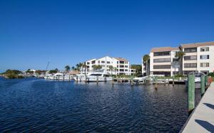 942 Oak Harbour Drive, Juno Beach, FL 33408