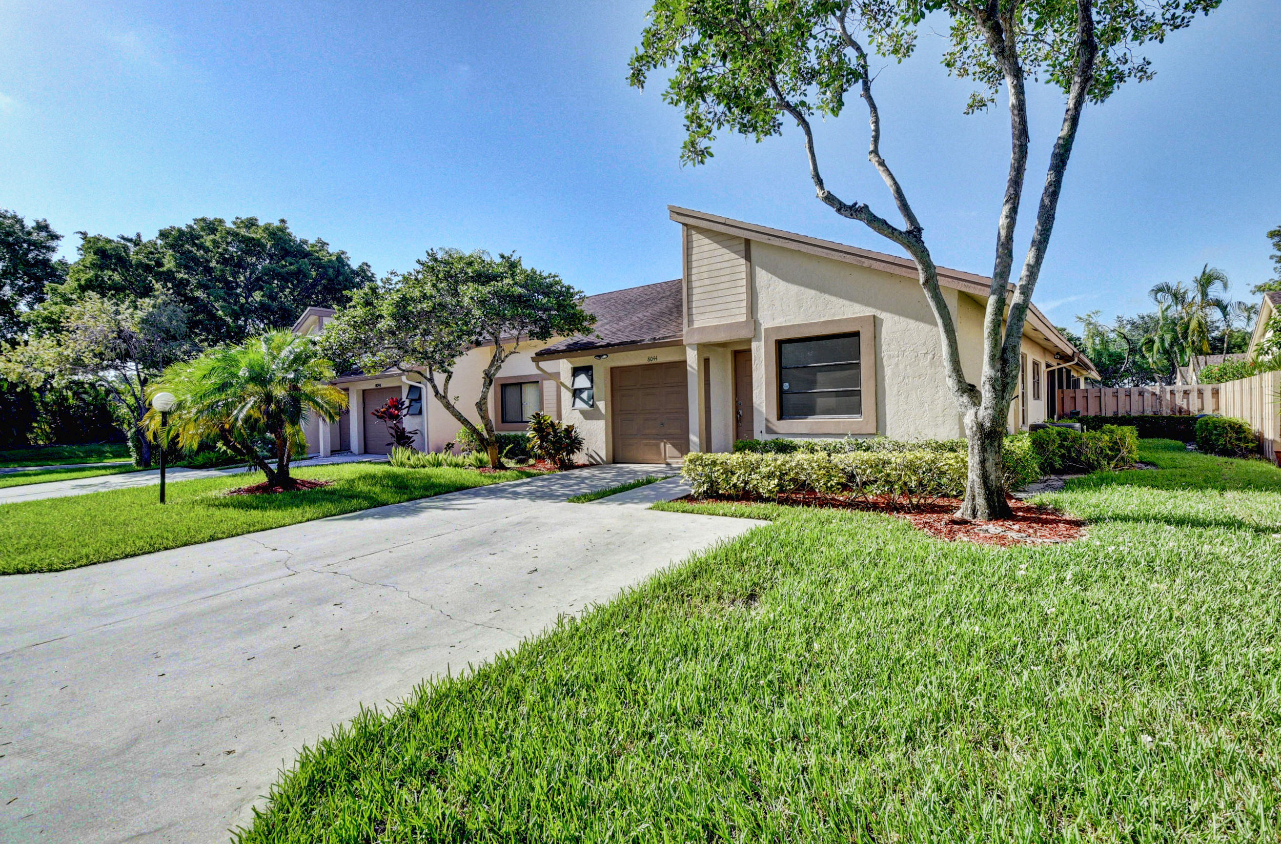 8044 Hiddenview Terrace #b Boca Raton, FL 33496