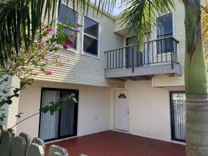 1616 Shaker Circle, Wellington, FL 33414